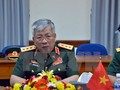 Vietnam dengan gigih membela kedaulatan-nya di Laut Timur di atas dasar  ketentuan hukum internasional