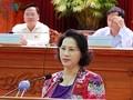 Ketua MN Nguyen Thi Kim Ngan melakukan kontak dengan pemilih kabupaten Vinh Thanh, kota Can Tho