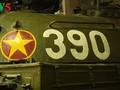 Memandangi Tank bernomor 390 yang menyeruduk gerbang Istana Doc Lap pada waktu lohor tanggal 30/4/1975
