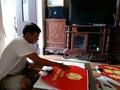 Kerajinan membuat kipas di desa Chang Son