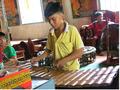 Музыкальный коллектив в пагоде Зой