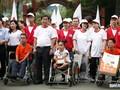 5.000 personas participan en una caminata en apoyo a las víctimas vietnamitas de la dioxina