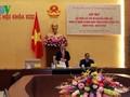 Parlamentspräsident Nguyen Sinh Hung trifft Vertreter der ehemaligen Abgeordneten