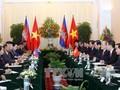 Dirigentes vietnamitas y camboyanos intercambian felicitaciones