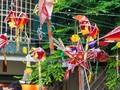 Niños hanoyenses aprenden a hacer juguetes tradicionales del Tet Trung Thu