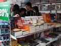 多家书店开展教科书和文具降价优惠活动  迎接新学年