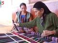 Brocade weaving: dexterity of M'Nong women
