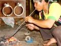 Benda kepercayaan cinta masih  yang khas dari warga etnis minoritas Chu ru