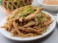 Pollo Dong Tao conquista el paladar de los turistas en Hung Yen