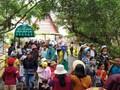Kuil menyembah Au Lac, Kota Da Lat menyarap kedatangan banyak wisatawan pada Hari Haul Cikal Bakal Bangsa Raja Hung