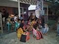 Ribuan orang mengungsi setelah gempa bermagnitudo 7,3 di Indonesia Timur
