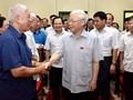 越共中央总书记阮富仲接触河内选民