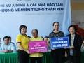 L'ancienne vice-présidente Truong My Hoa au chevet des victimes des crues