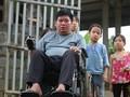 Bui Van Binh - Pak guru difabel yang sepenuh hati demi anak-anak miskin