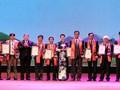 Honorer les agriculteurs vietnamiens exemplaires