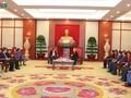 阮富仲会见老挝人民革命党中央总书记、国家主席本扬·沃拉吉