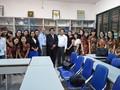 Kalangan muda Viet Nam dengan bahasa Indonesia