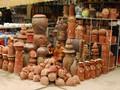 Desa kerajinan pembuatan barang keramik Huong Canh