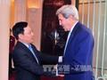 Вице-премьер, глава МИД СРВ Фам Бинь Минь принял экс-госсекретаря США Джона Керри