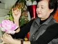 Artisan Mai Hanh – Hanoi's Queen of silk flowers