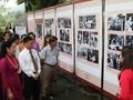Presentan imágenes y objetos relativos a los destacados en el seguimiento de la moral y el ideario de Ho Chi Minh
