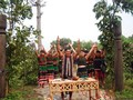 Lễ cúng cổng bon làng của đồng bào M'nông