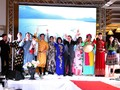 Trình diễn trang phục truyền thống Việt Nam tại An-giê-ri