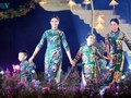Vietnamese designers promote traditional long dress abroad