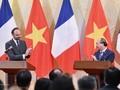 Vietnam-France: signature et échange de 17 documents de coopération