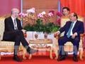 2018년 아세안 세계 경제 포럼, 응우엔 쑤언 푹 (Nguyễn Xuân Phúc) 국무총리 패스북  대표 접견