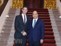 นายกรัฐมนตรีเหงวียนซวนฟุกให้การต้อนรับนาย Philipp Rosler ผู้เชี่ยวชาญด้านเศรษฐกิจ