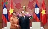 Ketua MN Vietnam Nguyen Sinh Hung menerima Ketua Parleman Laos dan Ketua Parlemen Kamboja.