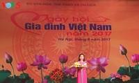 Banyak aktivitas  sehubungan dengan Hari Keluarga Vietnam (28 Juni)