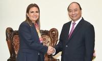 PM Vietnam, Nguyen Xuan Phuc menerima Menteri Investasi dan Kerjasama Internasional Mesir, Sahar Nasr