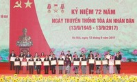 Wapres Vietnam, Dang Thi Ngoc Thinh  menghadiri upacara peringatan  ultah ke-72  Hari berdirinya  Mahkamah  Rakyat Agung