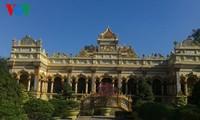 Keindahan pagoda Vinh Trang di provinsi Tien Giang
