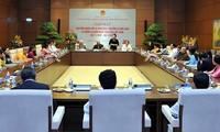 PM Vietnam Nguyen Xuan Phuc menemui  para anggota MN  yang adalah guru dan mantan guru