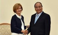 PM Vietnam, Nguyen Xuan Phuc  menerima  Sekretaris Negara  Kemlu  Portugal, Presiden SK Group dan Ketua Kamar Dagang dan Industri Osaka