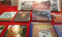 国立図書館、ハノイ上空ディンビェンフー作戦をテーマとした展示会を開催