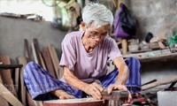 ダオサー(Dao Xa)という楽器をつくる村