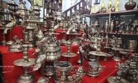 銅を鋳造するダイバイ村