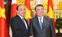フック首相、大島議長と会見