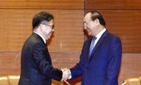フック首相、APEC加盟諸国の代表と会合