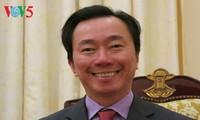 外務大臣補佐官 ファム・サイン・チャウ