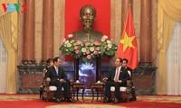 クアン国家主席、新華社社長と会見