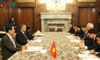 リュー 国会副議長 日本の衆参議院を訪問