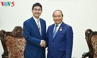 フック首相、日本の首相補佐官と会見