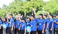 ベトナムの青年と夏のボランティア活動