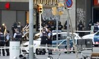 バルセロナでテロ 110人以上死傷 逃げた男の行方捜査