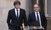 スペイン・カタルーニャ各地でデモ 独立派指導者2人の拘束に抗議
